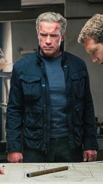 Terminator: Genisys – Lagebesprechung – Terminator T-800 – Jacke