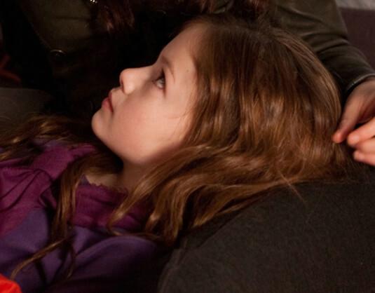 Breaking Dawn – Bis(s) zum Ende der Nacht (Teil 2) – Bellas Tochter – Renesmee Carlie Cullen – Schal