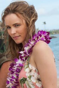 ALOHA – Die Chance auf Glück – Alte Zeiten – Tracy Woodside – Blumenkette