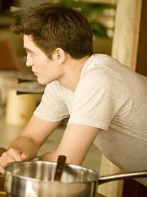 Breaking Dawn – Bis(s) zum Ende der Nacht (Teil 1) – Frühstück zu zweit – Robert Pattinson – T-Shirt