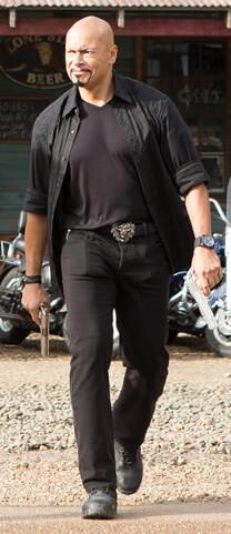 Miss Bodyguard – Die Handlanger – Jesus- Schuhe
