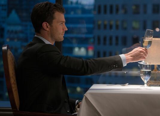 Fifty Shades of Grey 2 – Ein Dinner mit atemberaubender Aussicht – Christian Grey – Anzug