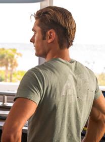 Baywatch – Entwaffnendes Lächeln – Matt Brody – T-Shirt