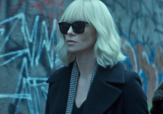 Atomic Blonde – Lorraine und David – Lorraine Broughton – Schal