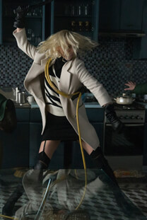 Atomic Blonde – Nahkampfexpertin – Lorraine Broughton – Strapse