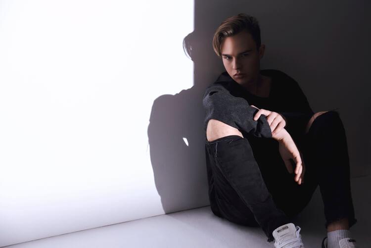 Mike Singer – KARMA – Licht und Schatten