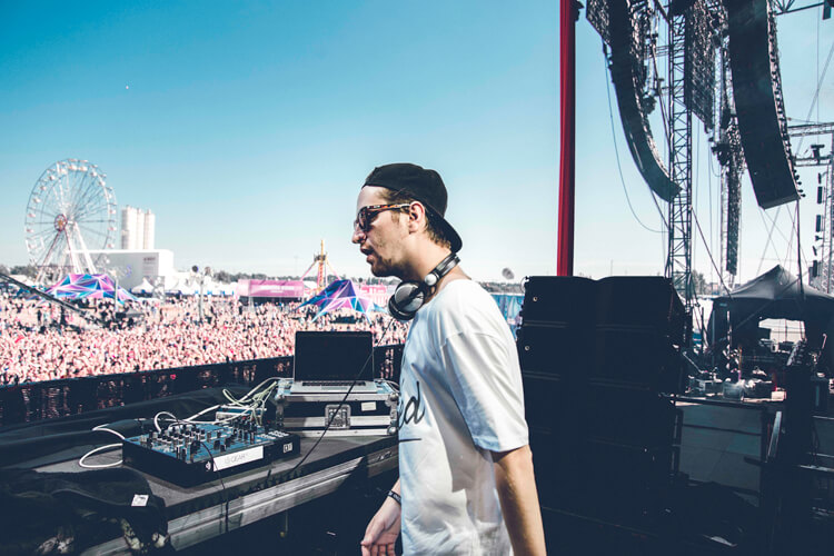 Robin Schulz – Sugar – Auftritt auf dem Weekend Festival