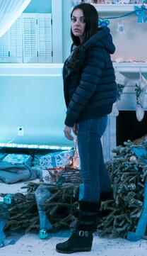 Bad Moms 2 – Die perfekte Weihnachtsdeko – Amy Mitchell – Stiefel